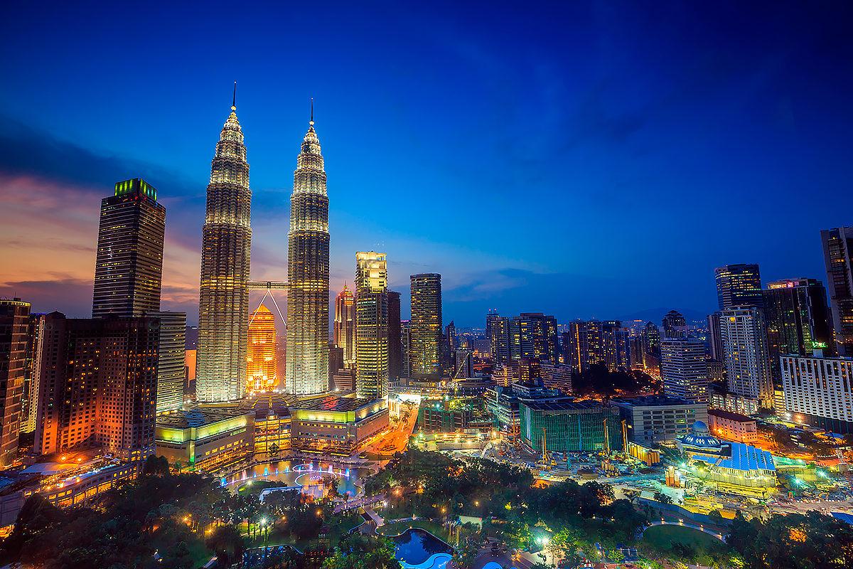 Огни вечернего Куала-Лумпур