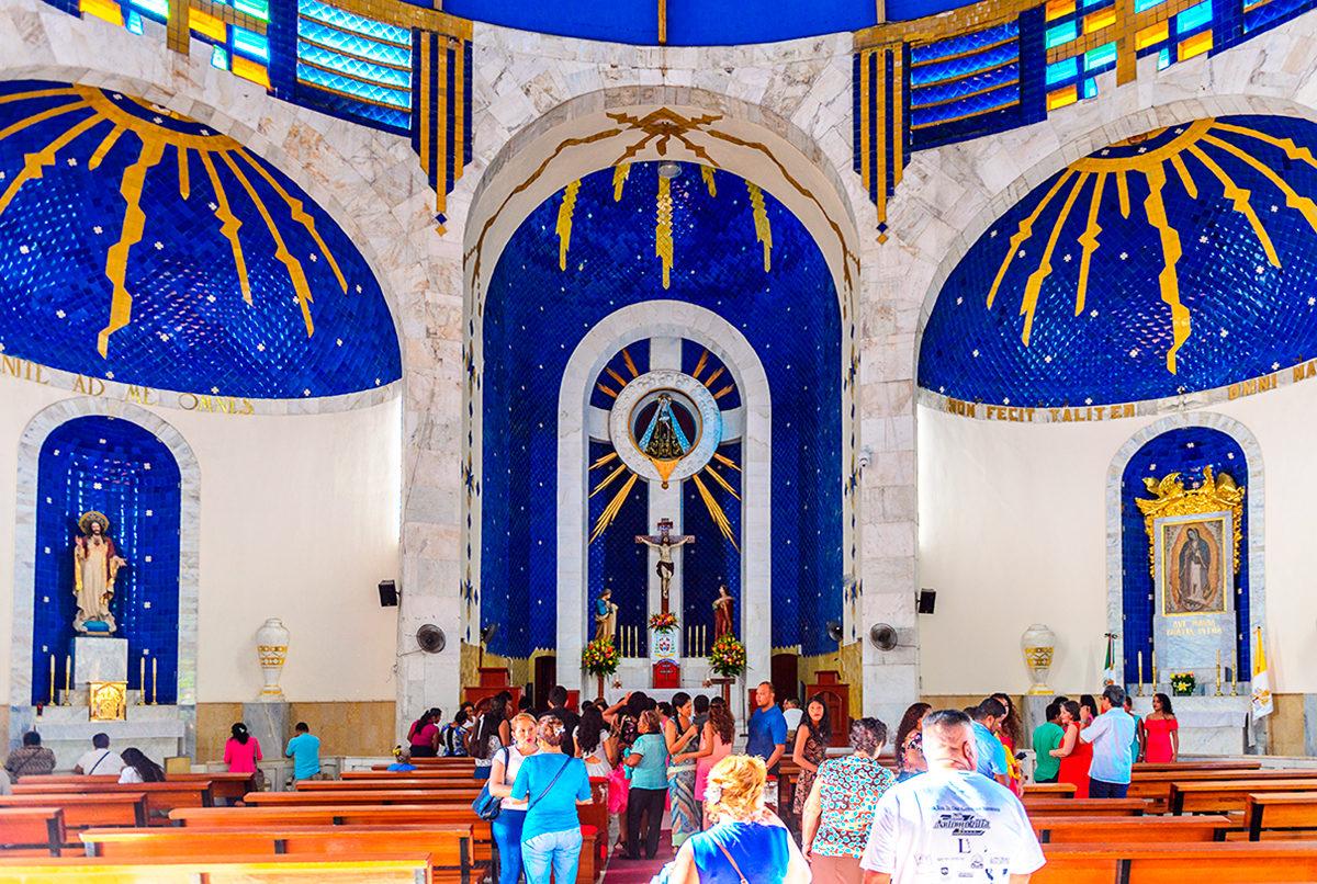 Интерьер Собора госпожи Одиночество, Акапулько