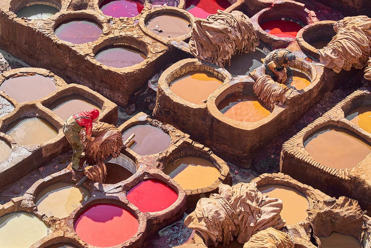 Знаменитые марокканские ямы для покраски кожи