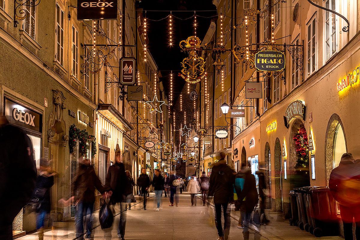 Улица Гетрайдегассе в сезон Рождества