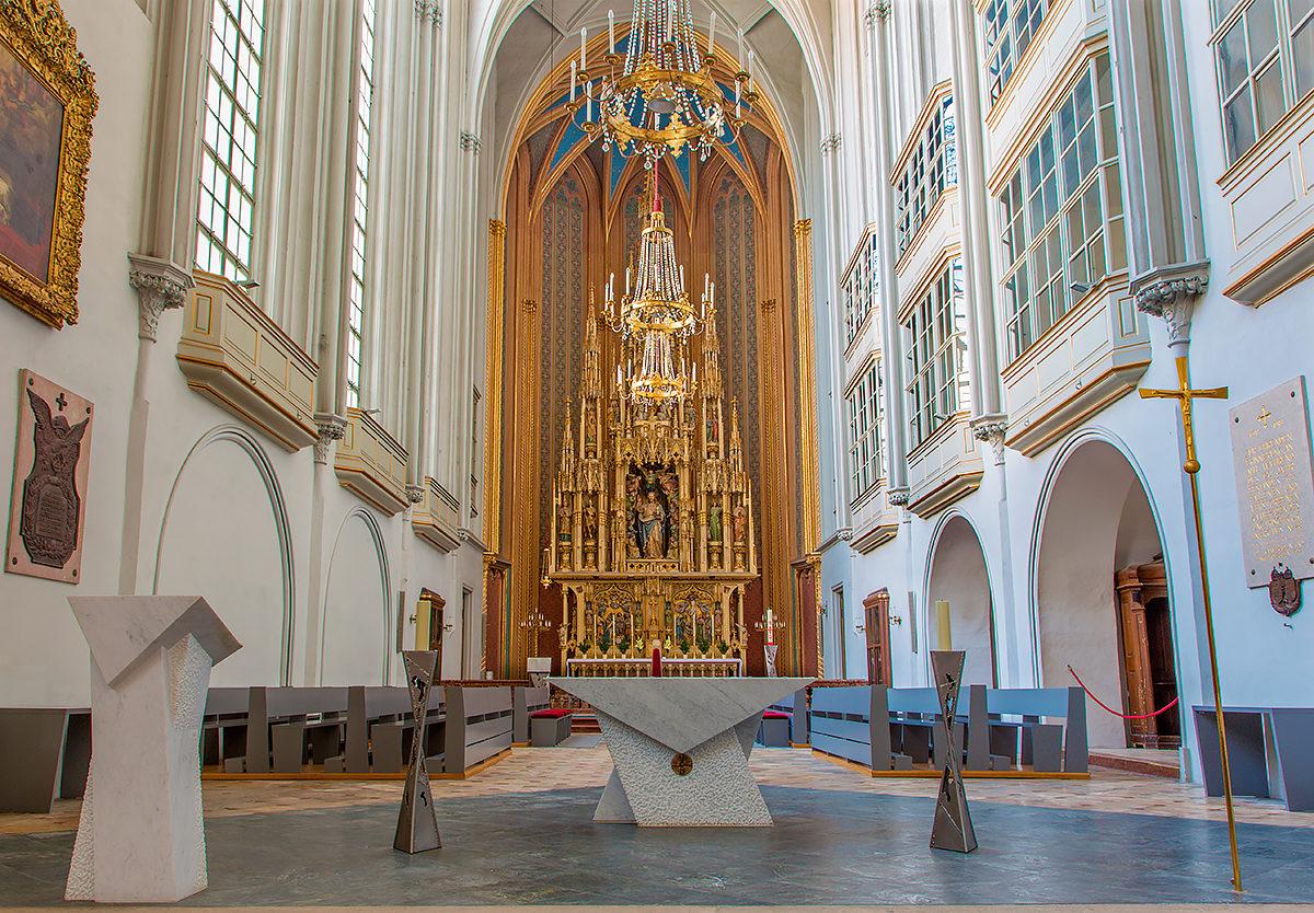 Алтарь, Церковь Святого Августина