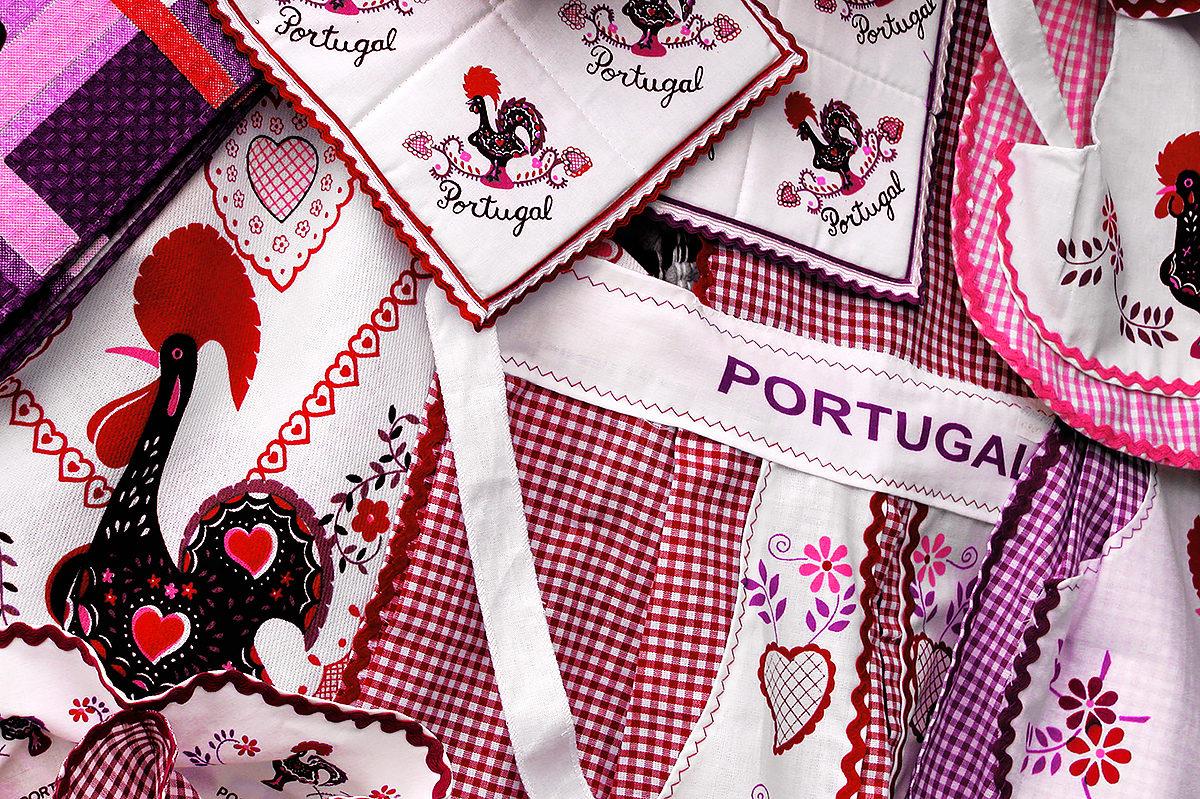 Текстильный сувенир с символом Португалии