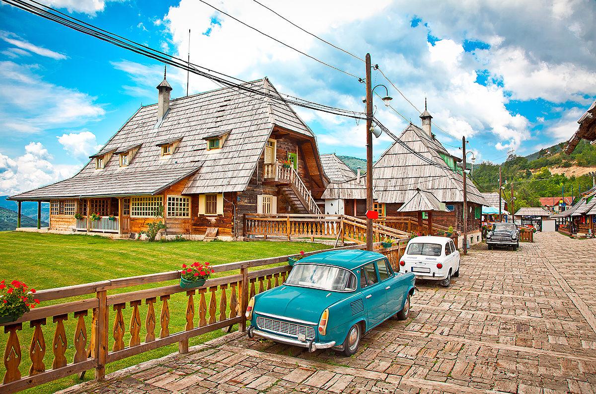 Деревня Эмира Кустурицы