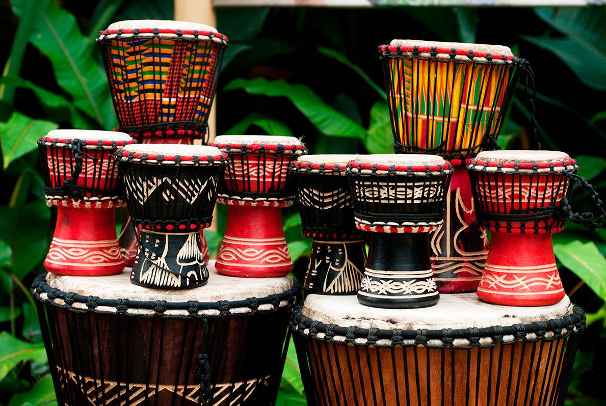 Африканские барабаны в ассортименте