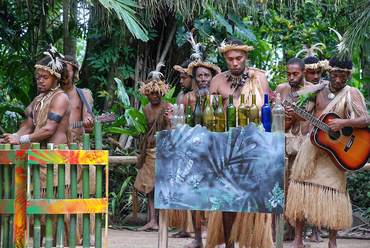 Представители местного племени