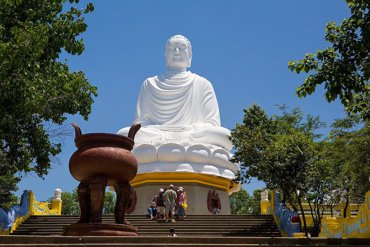 Статуя Будды, Пагода Лонг Сон