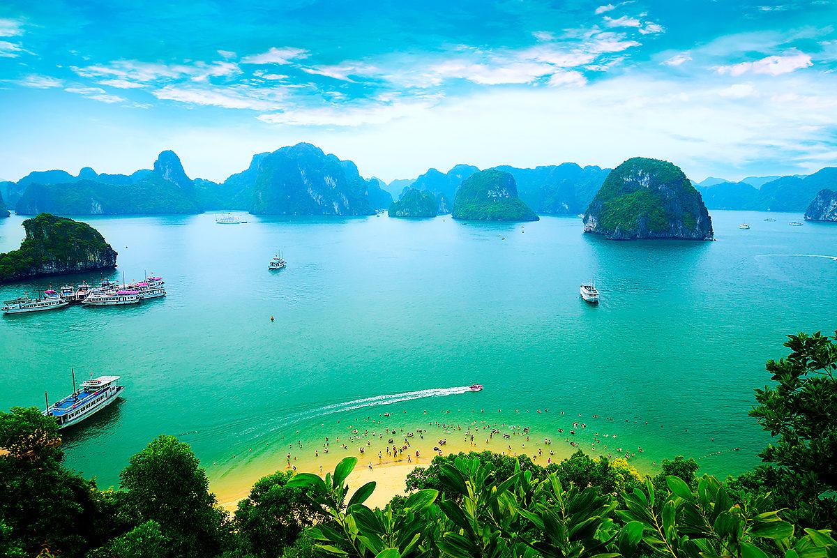 Вид на залив Халонг, Вьетнам