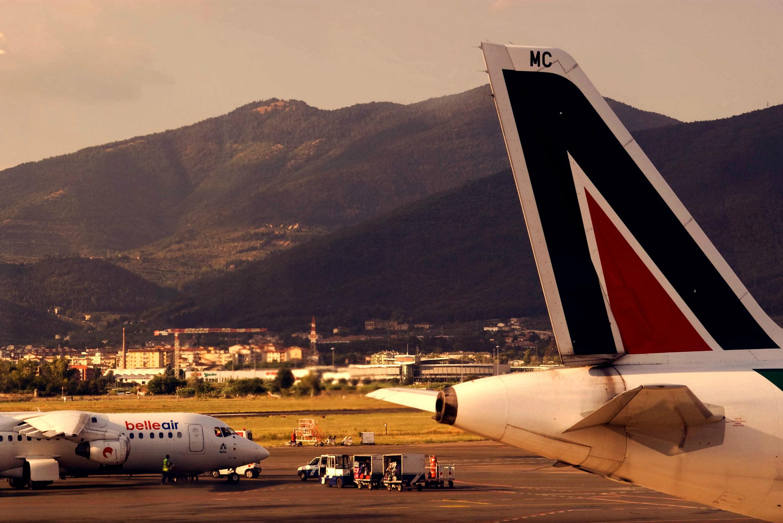 Флоренция, Аэропорт Перетола