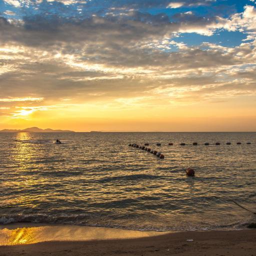 Пляж Вонг Амат