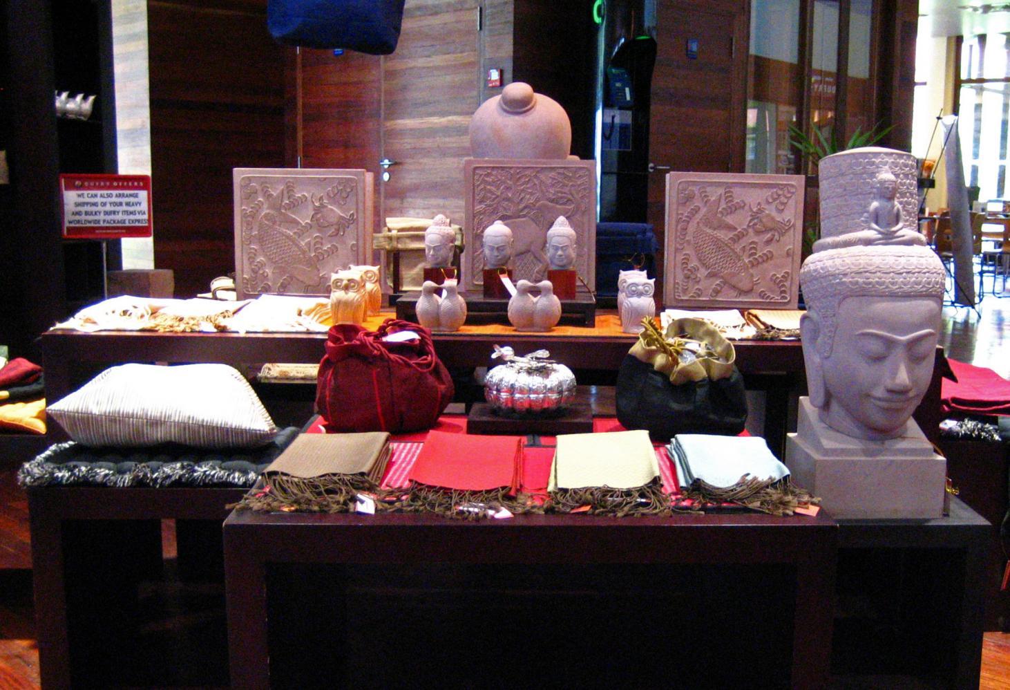 Сувениры и антиквариат Мастера Камбоджи