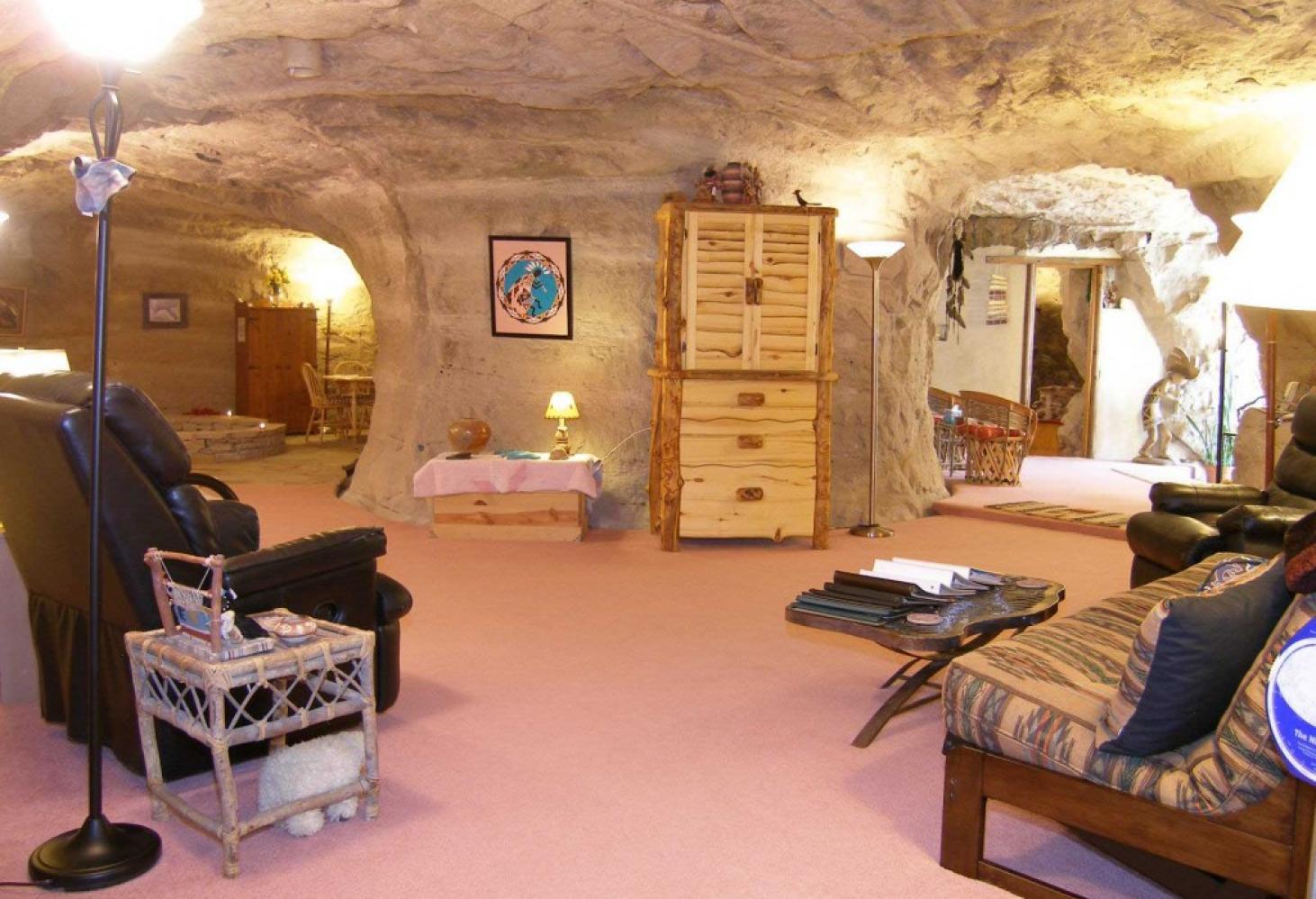 Отель-пещера — Kokopelli Cave Bed and Breakfast — Фармингтон. США