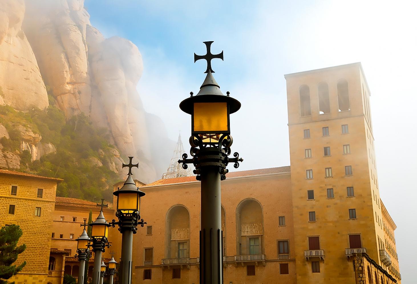 Гора Монсеррат в Каталонии, Испания