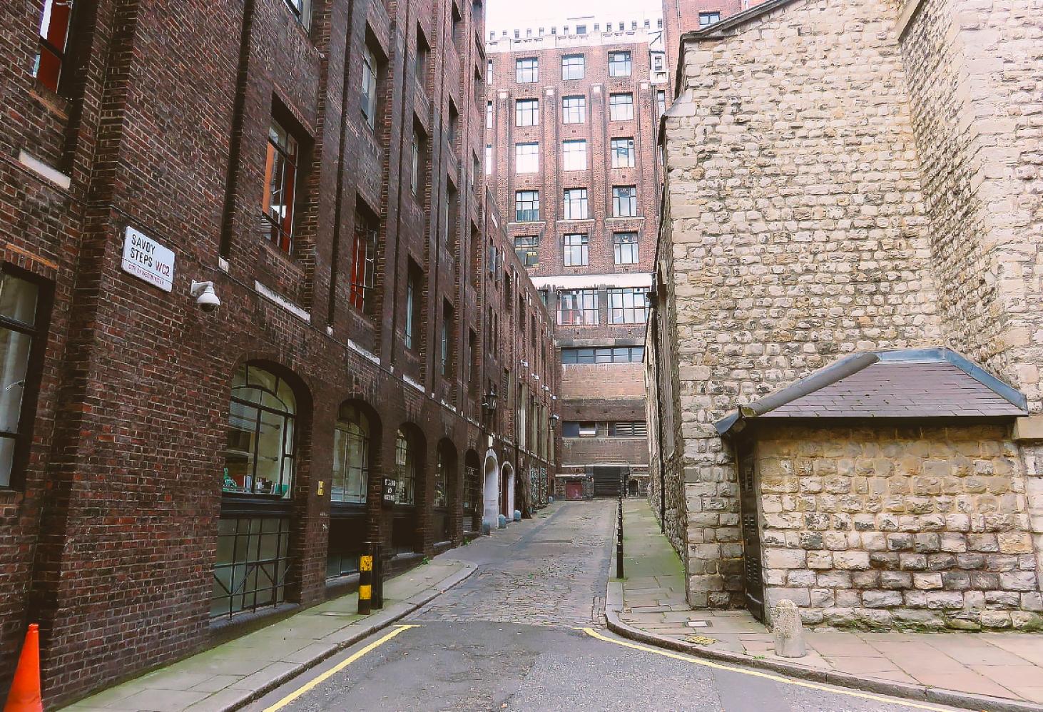 Савойская аллея, Лондон