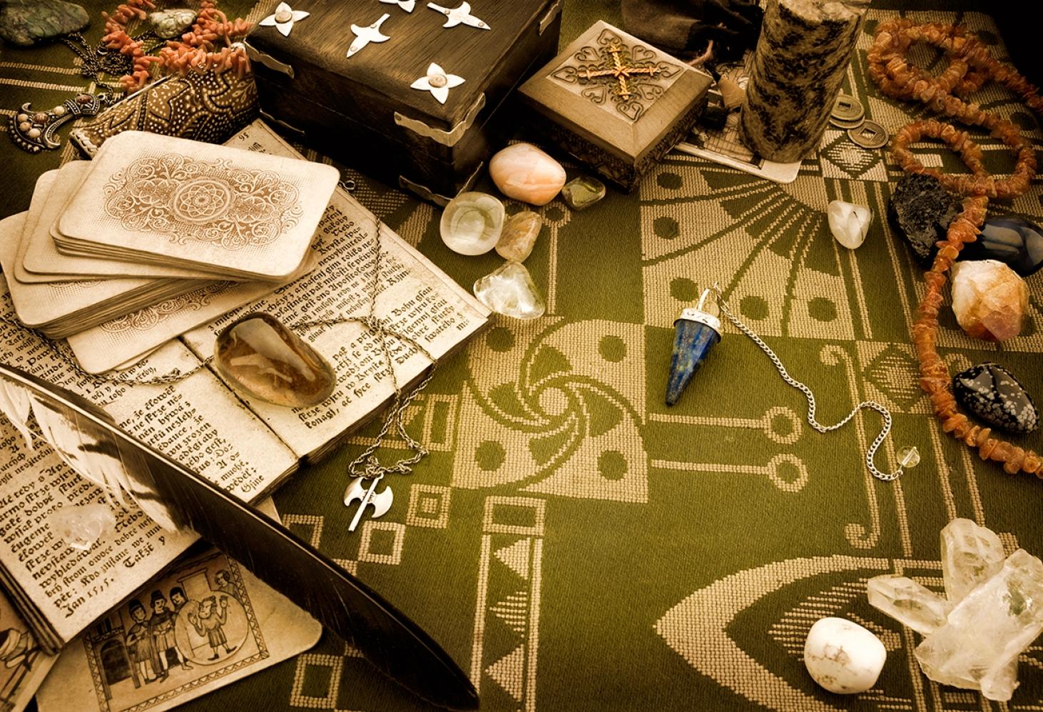 Музей оккультизма Уорренов, Монро, штат Коннектикут