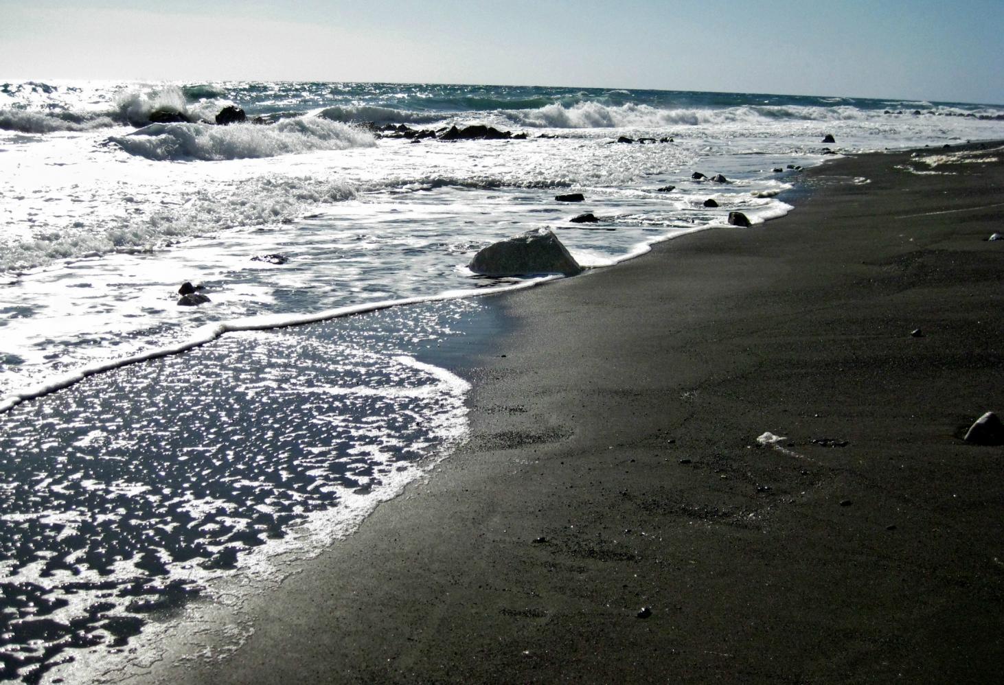 Черный пляж Камари, Греция