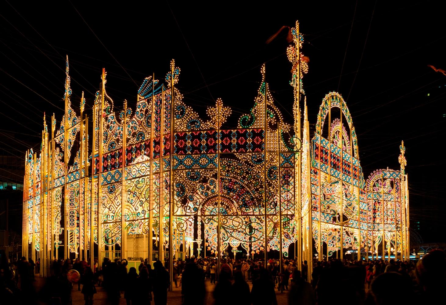 Фестиваль света в Кобе (Kobe Luminarie). начало декабря